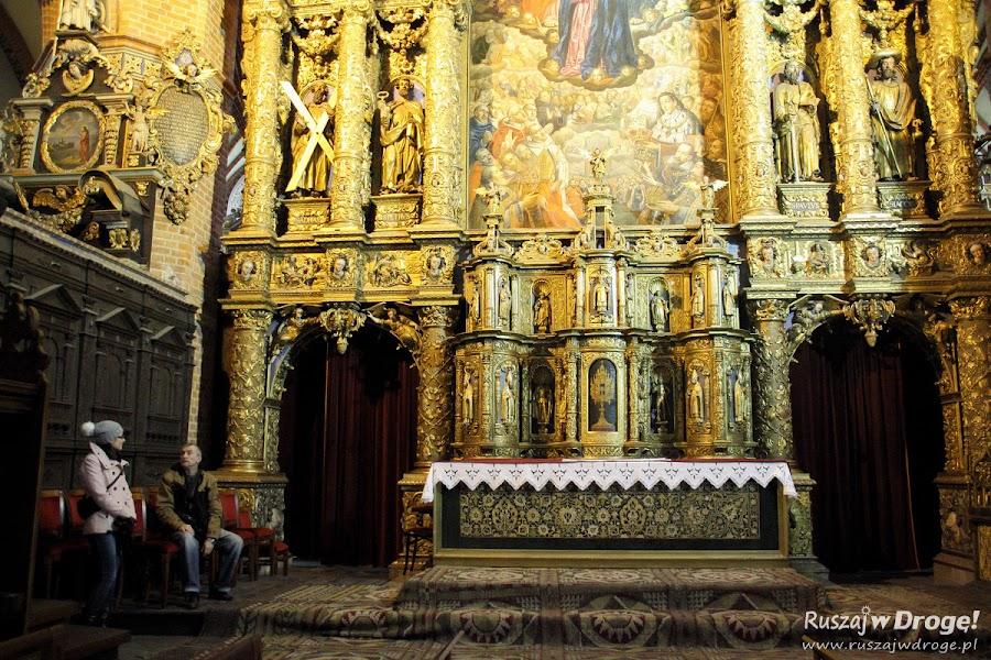 Katedra w Pelplinie - przy ołtarzu głównym