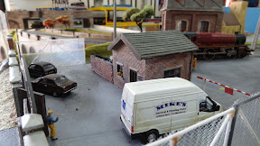 Miniatures in train set