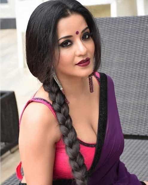 Monalisa hot cleavage show bengali bhojpuri actress Navel Queens