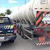 PRF prende caminhoneiro embriagado transportando 60 mil litros de combustível