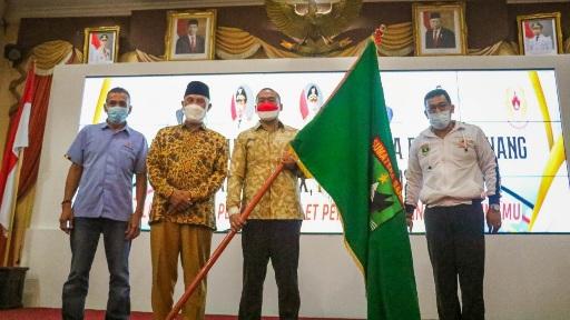 Lepas Kontingen ke Papua, Mahyeldi Optimis Atlet Siap Berikan Kemampuan Terbaiknya