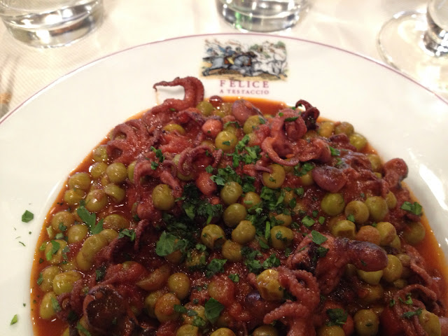 en ilginç yemek: bezelyeli scampi (küçük kalamar), Felice Roma