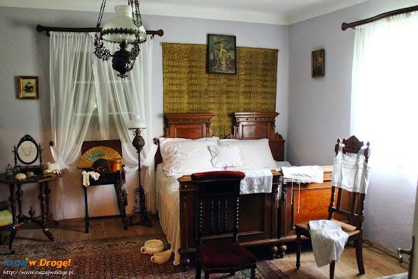dworek szlachecki w muzeum wsi kieleckiej w Tokarni