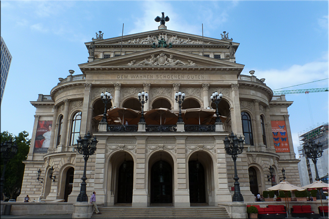 Fachada principal de Alte Oper (Opera antigua)