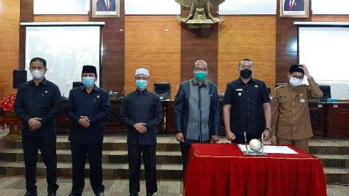 Paripurna DPRD Alot, HM. Nurnas: Banyak Gedung Pemerintah Tidak Punya Sertifikat
