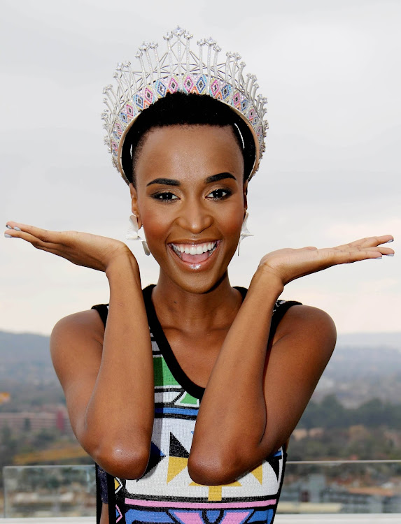 Zozibini Tunzi models the uBuhle crown shortly after winning Miss SA in 2019.