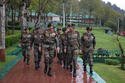 Army Chief reviews security scenario in Kashmir