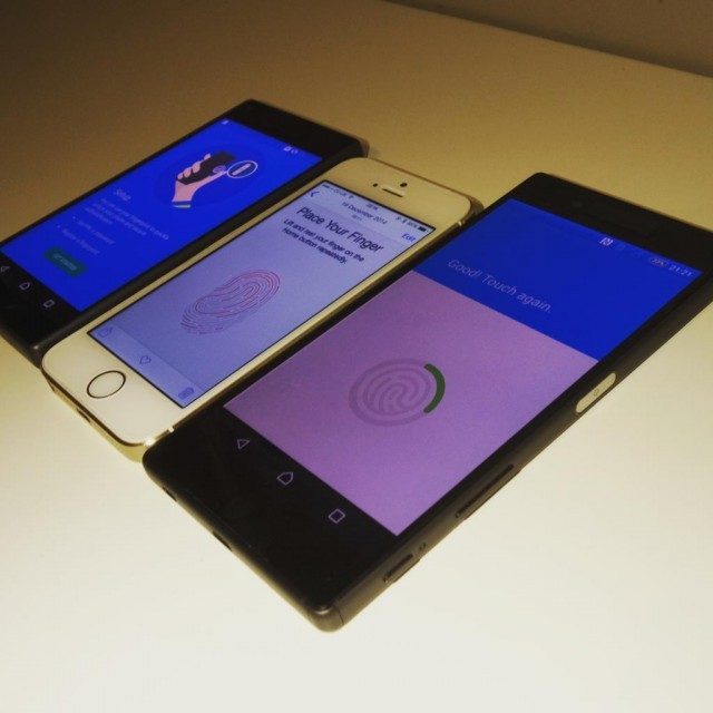 Xperia Z5 và Xperia Z5 Compact cùng với iPhone 5S