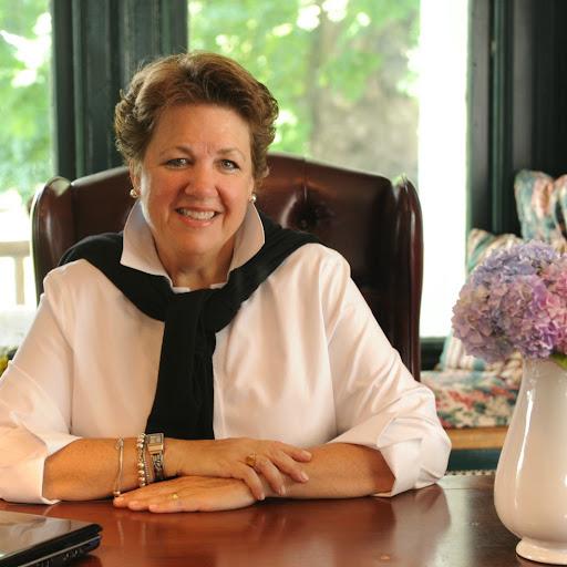 Gail Lee
