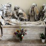 Eglise Saint-Martin : mise au tombeau, monument classé de la fin du 15e s.