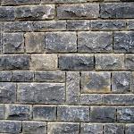6 - Mur en moellons équarris