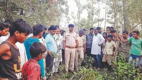 BIHAR NEWS:भाभी को वोट दिलवाने गई नाबालिग के साथ गैंगरेप कर की हत्या,शव झाड़ी में फेंका