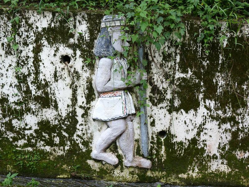 Puli  en passant , entre autres, par les villages de l ethnie Bunum de Loloko et Dili. J 10 - P1170031.JPG