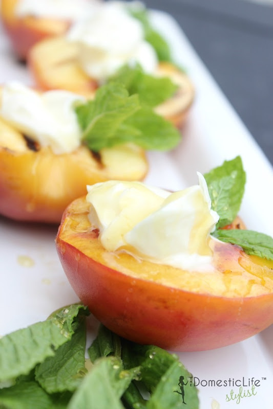 girlled-peaches-with-honey-and-mascapone-800x1200
