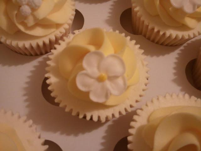 Cupcakes  الكعك ((فقط من أمواج )) صور  2011-05-05%25252021.16.40