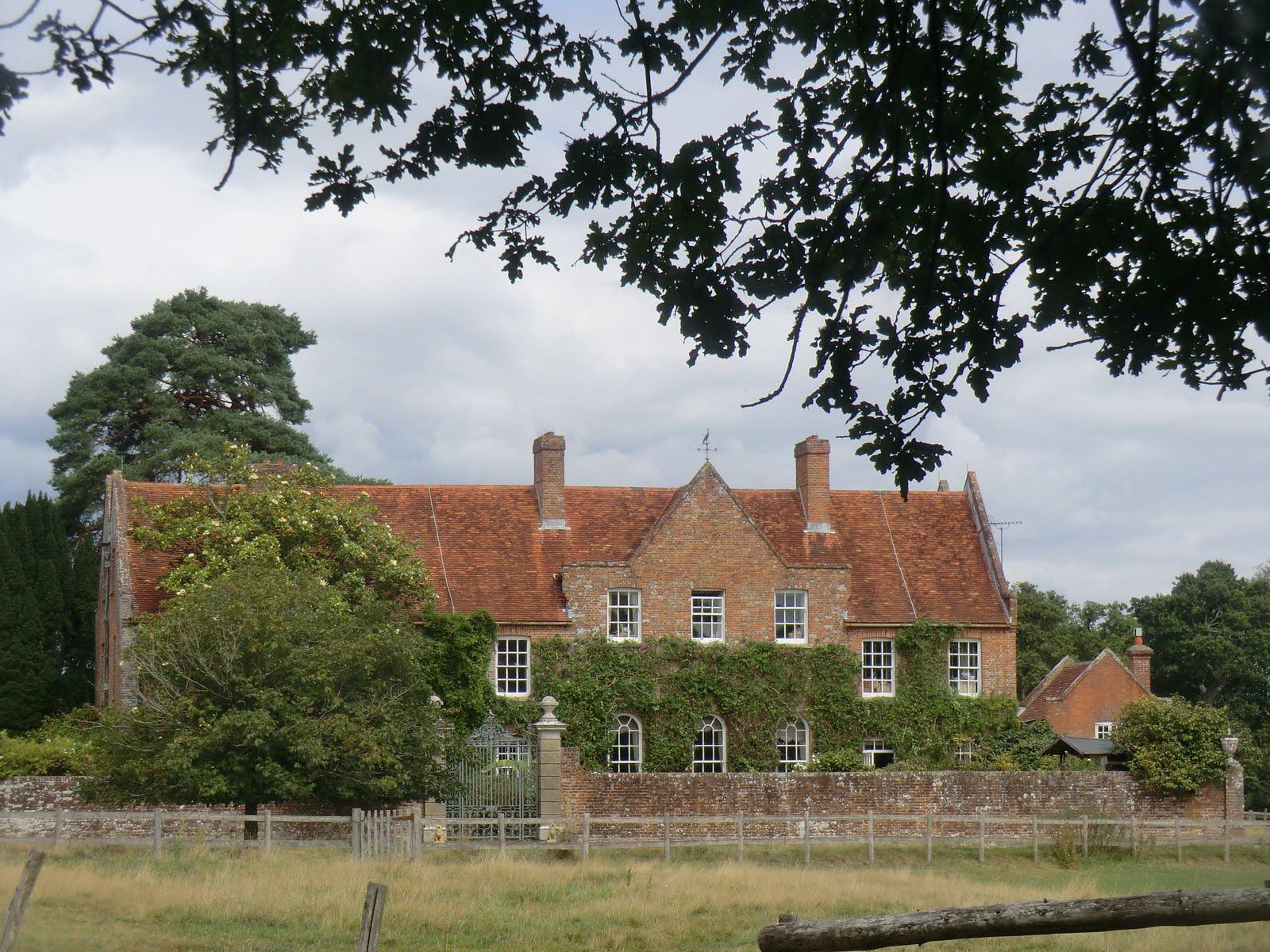 CIMG4285 Roydon Manor