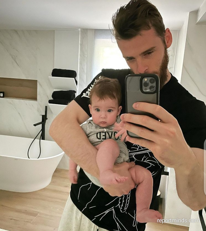 Man U Star, David De Gea shares cute snaps of his daughter, Yanay, 5 months old (Photos)