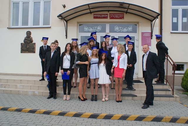 Pożegnanie klas 3 gimnazjum - DSC03190_1.JPG