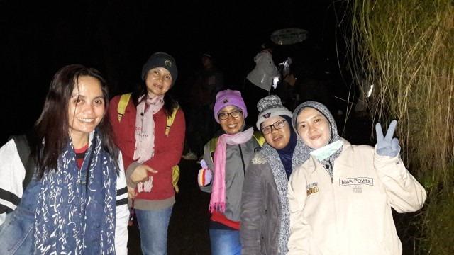 Foto Paket Tour Wisata Banyuwangi 1h1m - Dian Malang - Pendakian Kawah Ijen