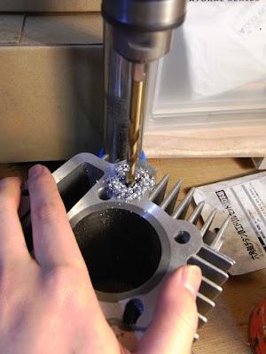 シリンダー流用加工(オイルリターン経路の加工)