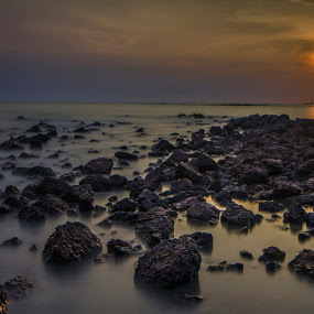 The rising tide by Danial Abdullah - Landscapes Waterscapes
