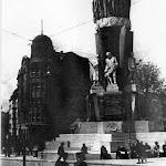 sv_005_Памятник Сталинской конституции. 1940-41 гг.jpg