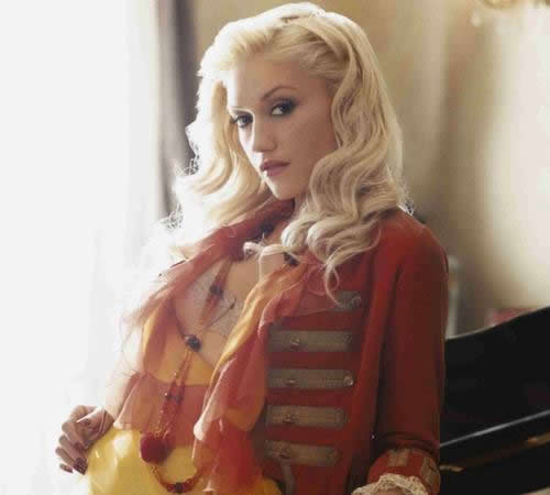 gwen stefani hair commercial. i love her hair here.