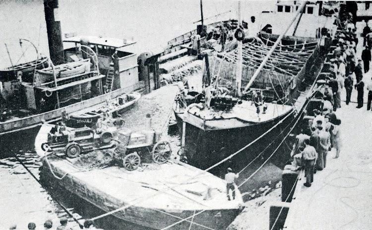 Reflotamiento del SAN EMETERIO. Junio de 1948. Del libro La Marina Cantabra. Desde el Vapor. Vol. III.jpg