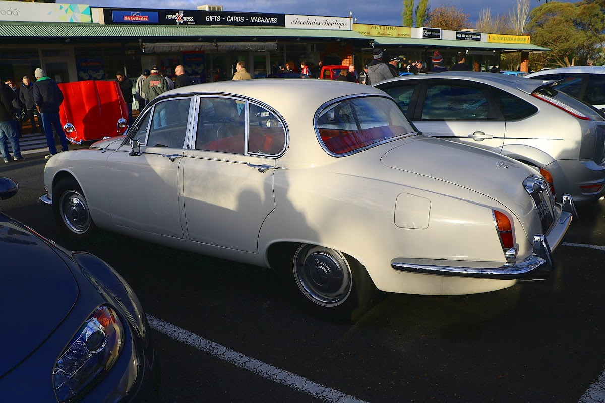 Jaguar 3.8 S-Type Side.jpg