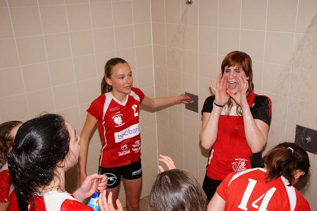 zot doen onder de douche na kampioen te spelen