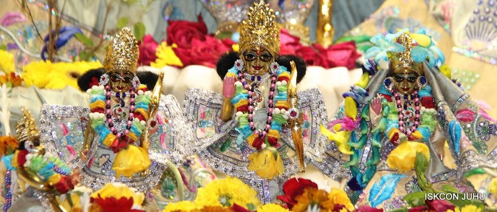 ISKCON Juhu Sringar Deity Darshan on 26th Aug 2016 (54)