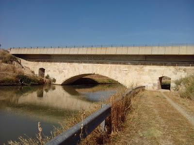 Puente de Luceni sobre el Canal Imperial de Aragón