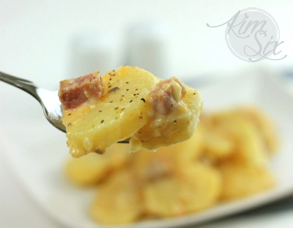 Cheesy slow cooker ham and potoatoes