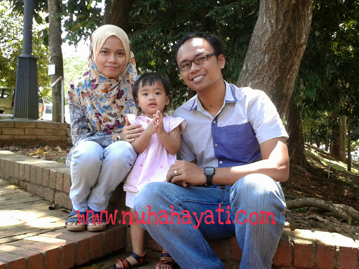 Keluarga Aziz Zariff dan Nuha Hayati