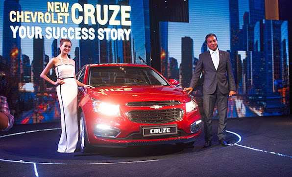 Chevrolet Cruze 2015 co gia tu 572 trieu dong tai Viet Nam  anh 1