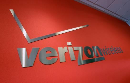 Verizon vende su división medios, entre ellos AOL y Yahoo, a fondo Apollo por cinco mil millones de dólares