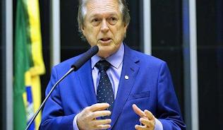 PSL estuda expulsar deputados que declararam voto em Arthur Lira