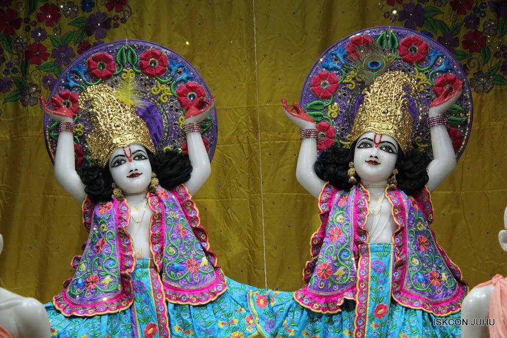 ISKCON Juhu Mangal Deity Darshan on 24th Sep 2016 (31)