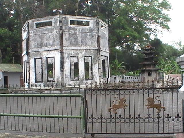 Klenteng Dewi Kwan Im Gunung Kawi Kabupaten Malang Indonesia