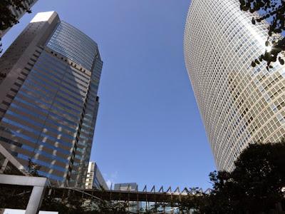品川駅港南口側の高層ビル群