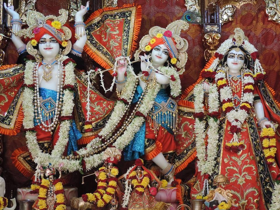 ISKCON Bangalore Deity Darshan 26 Dec 2015  (1)