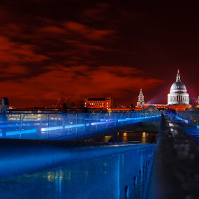 Millennium Bridge and St Pauls by Dimitri Foucault - Travel Locations Landmarks ( stpauls, london, millennium, night, bridge, pwcskylines )