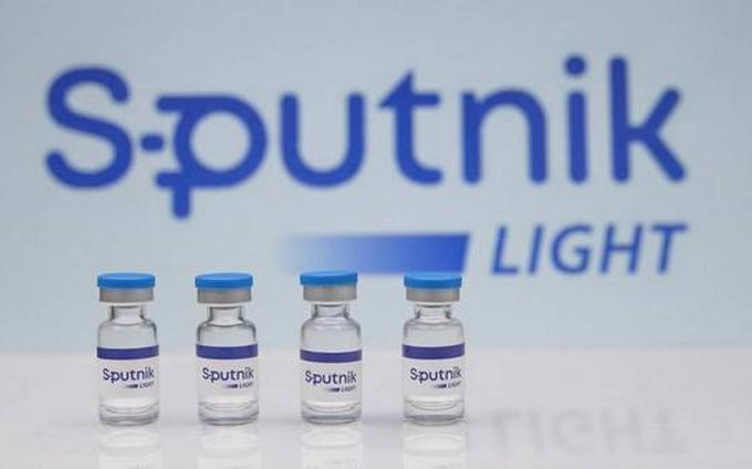 Russia Approves Single-Dose Sputnik Light Covid Vaccine for Use