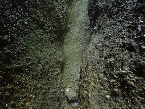 左右は上まで礫岩