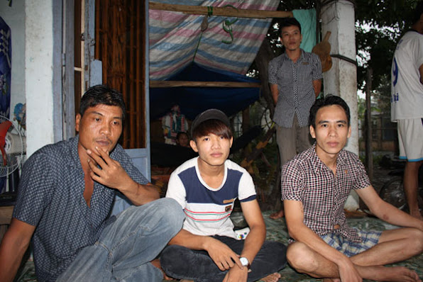 Tham sat 6 nguoi o Binh Phuoc Nhom cong nhan bi duoi viec noi gi  anh 1
