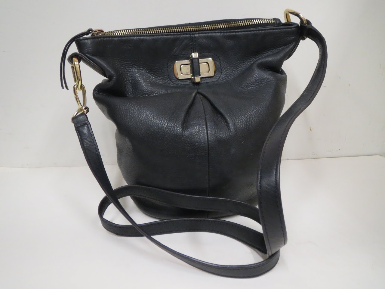 B Makowsky Bucket Bag