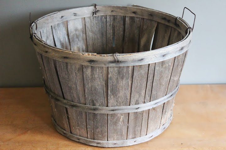 Large bushel baskets available for rent from www.momentarilyyours.com, $4.00