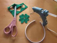 St Patricks Day Hair Clips via @MoneywiseMoms