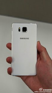 Samsung-Galaxy-Alpha-Blanc-02.jpg