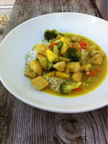 grüner Curry mit Huhn und Reis